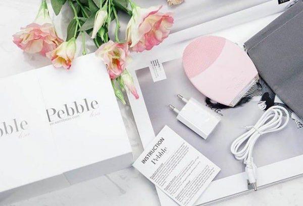 Tất tật về máy rửa mặt Pebble để có làn da sạch mụn, mịn màng