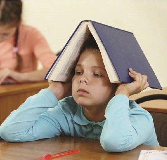 Bệnh trí nhớ kém ở trẻ em: nguyên nhân, biểu hiện, hậu quả và cách khắc phục